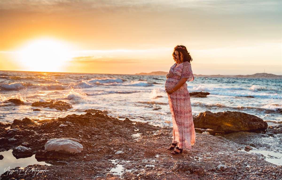 Une séance photo de famille/grossesse sur la plage 7