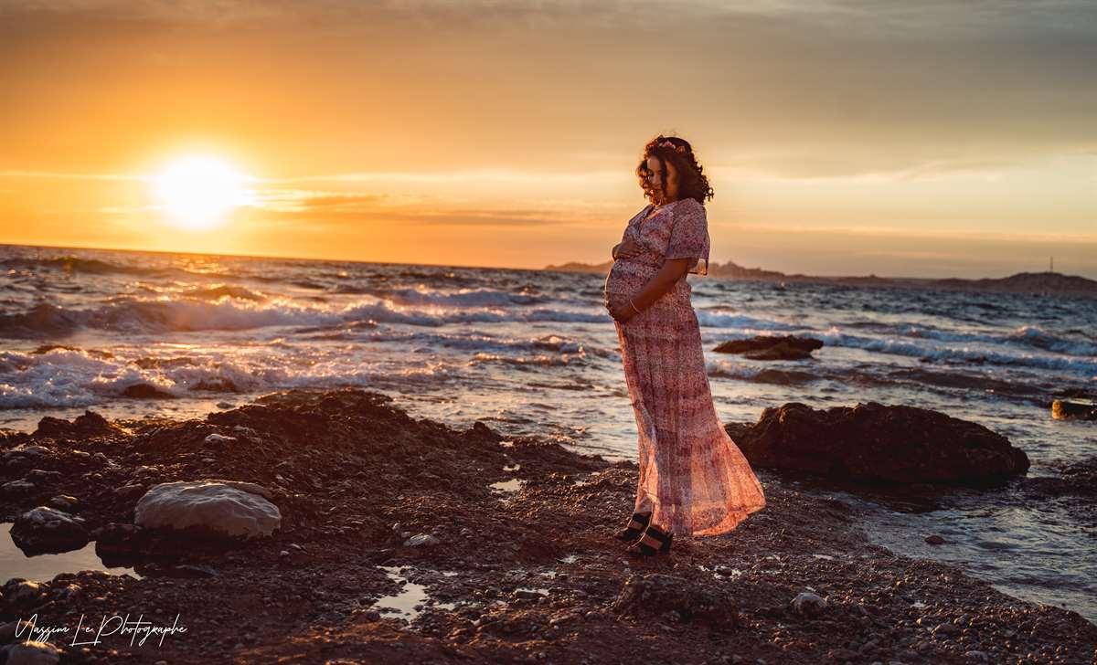 Une séance photo de famille/grossesse sur la plage 8