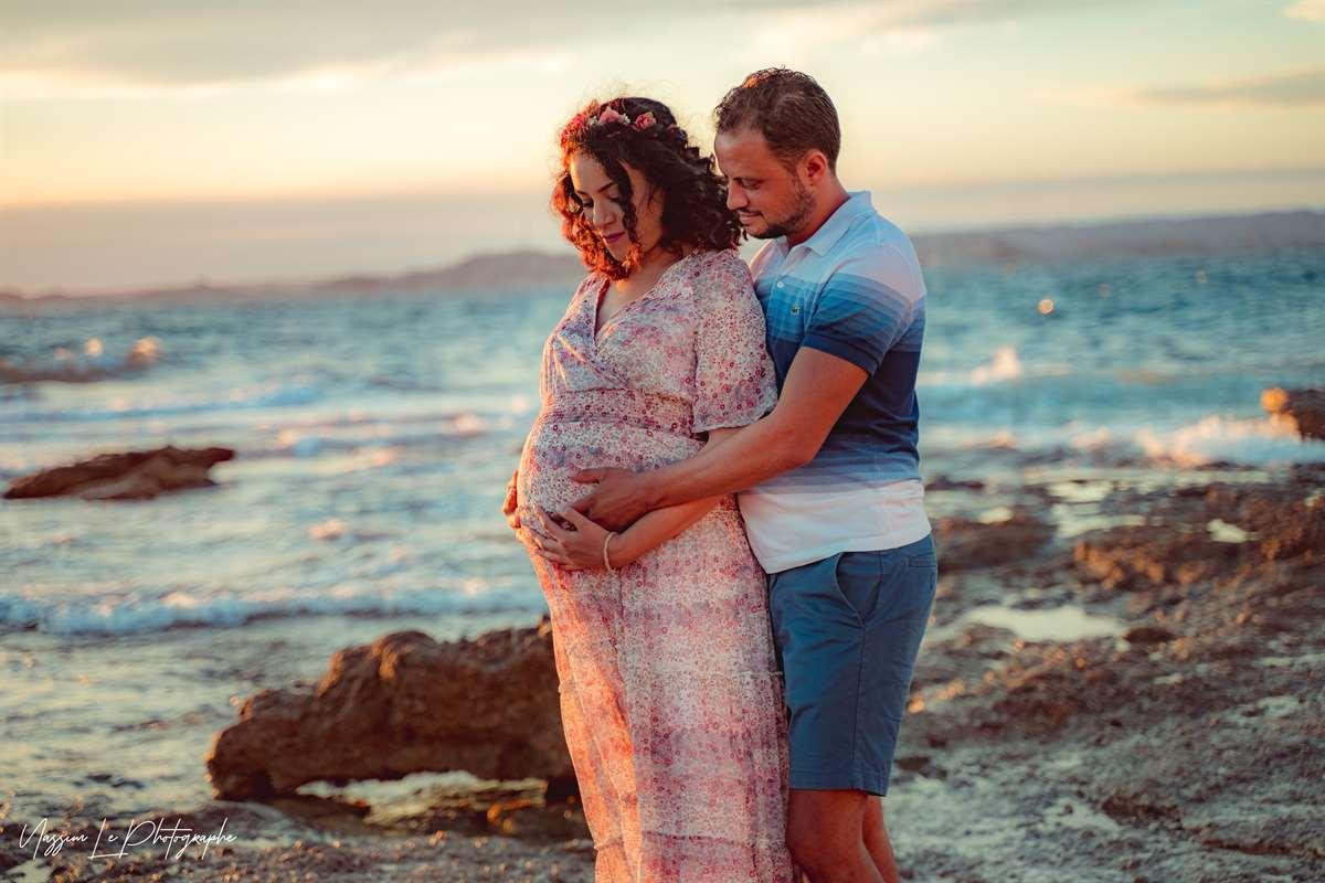 Une séance photo de famille/grossesse sur la plage 13