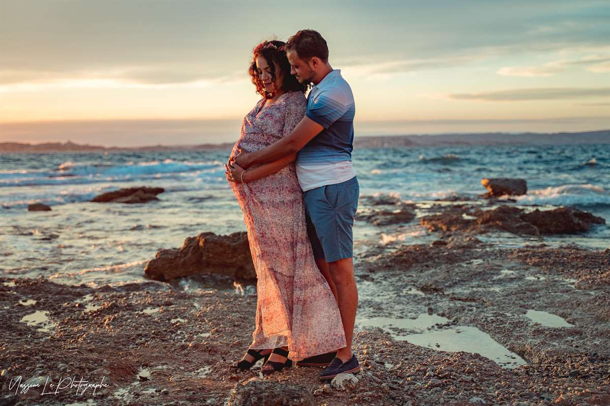 Une séance photo de famille/grossesse sur la plage 14