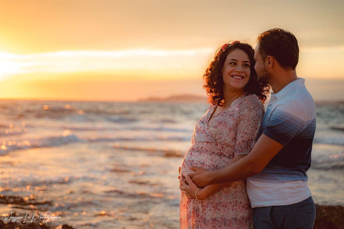 Une séance photo de famille/grossesse sur la plage 15