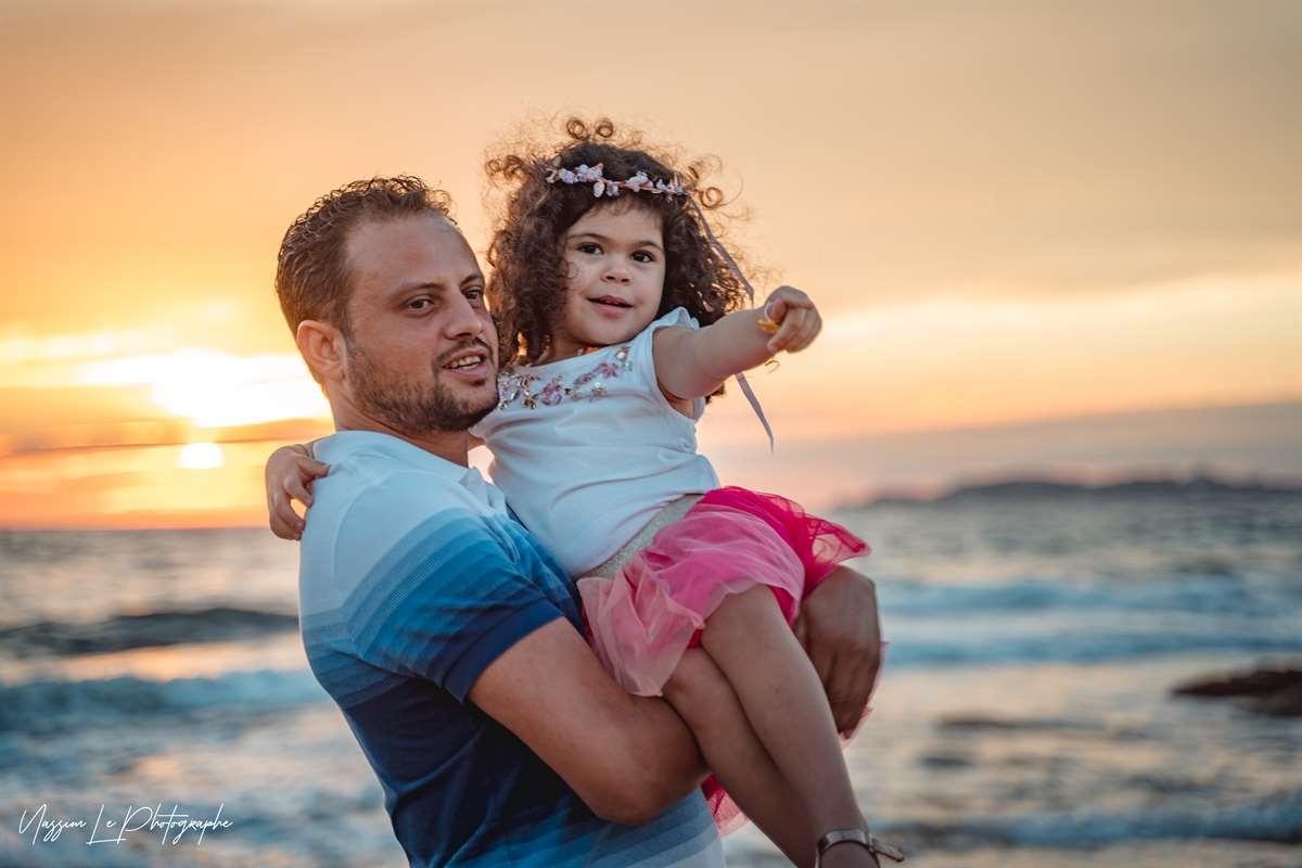 Une séance photo de famille/grossesse sur la plage 18