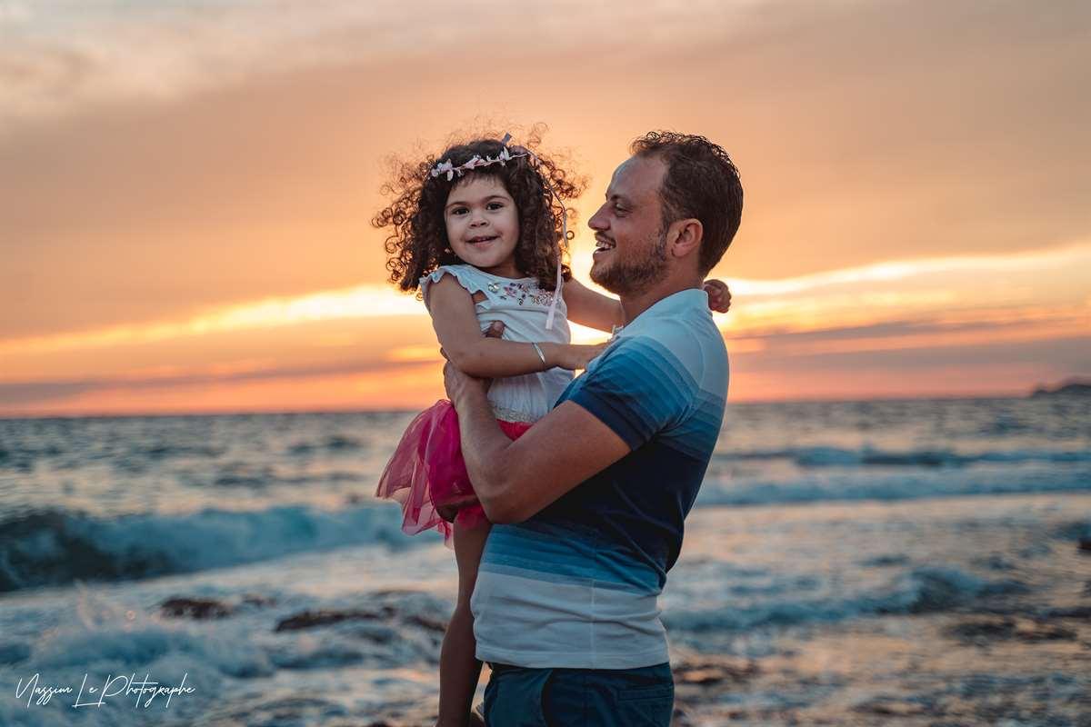 Une séance photo de famille/grossesse sur la plage 19