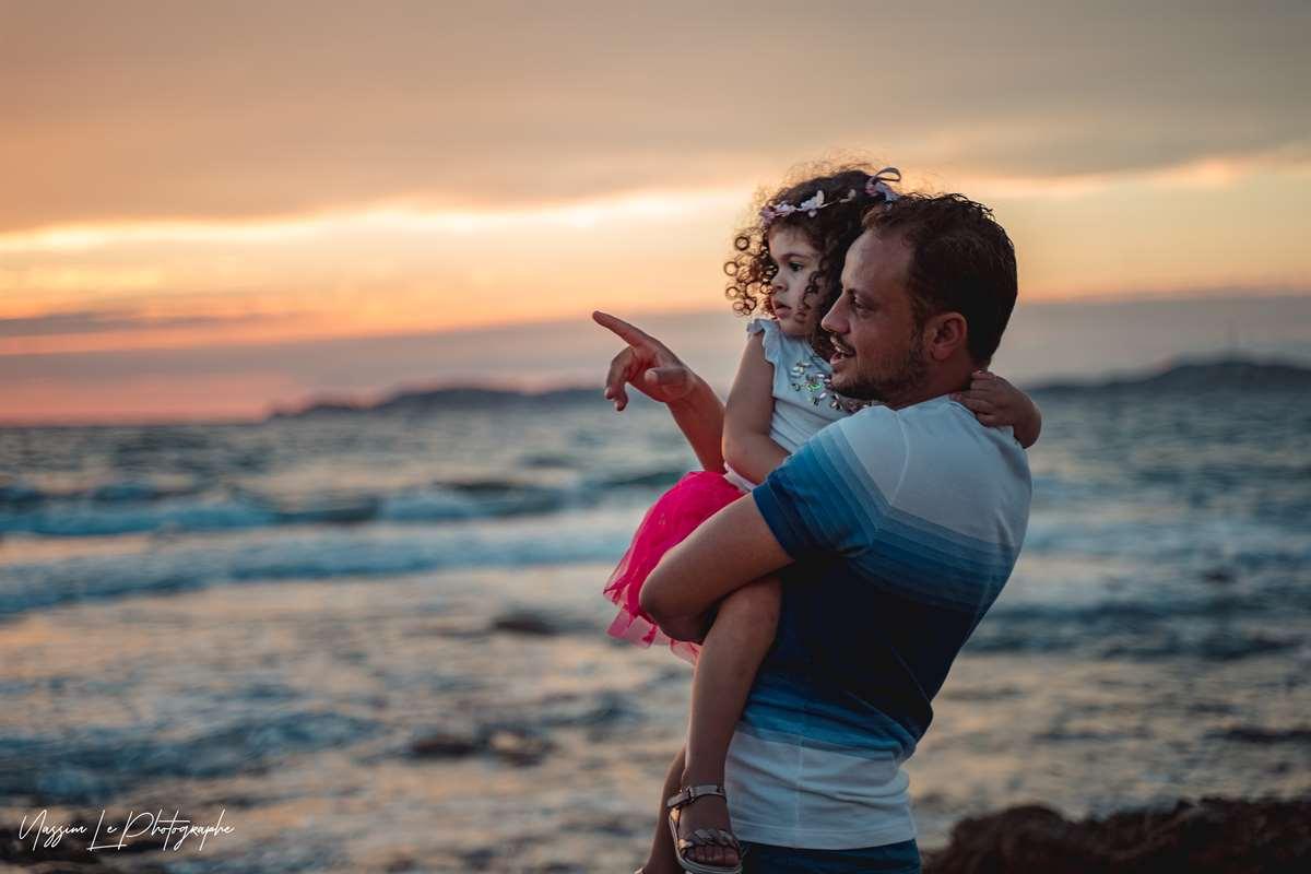 Une séance photo de famille/grossesse sur la plage 20