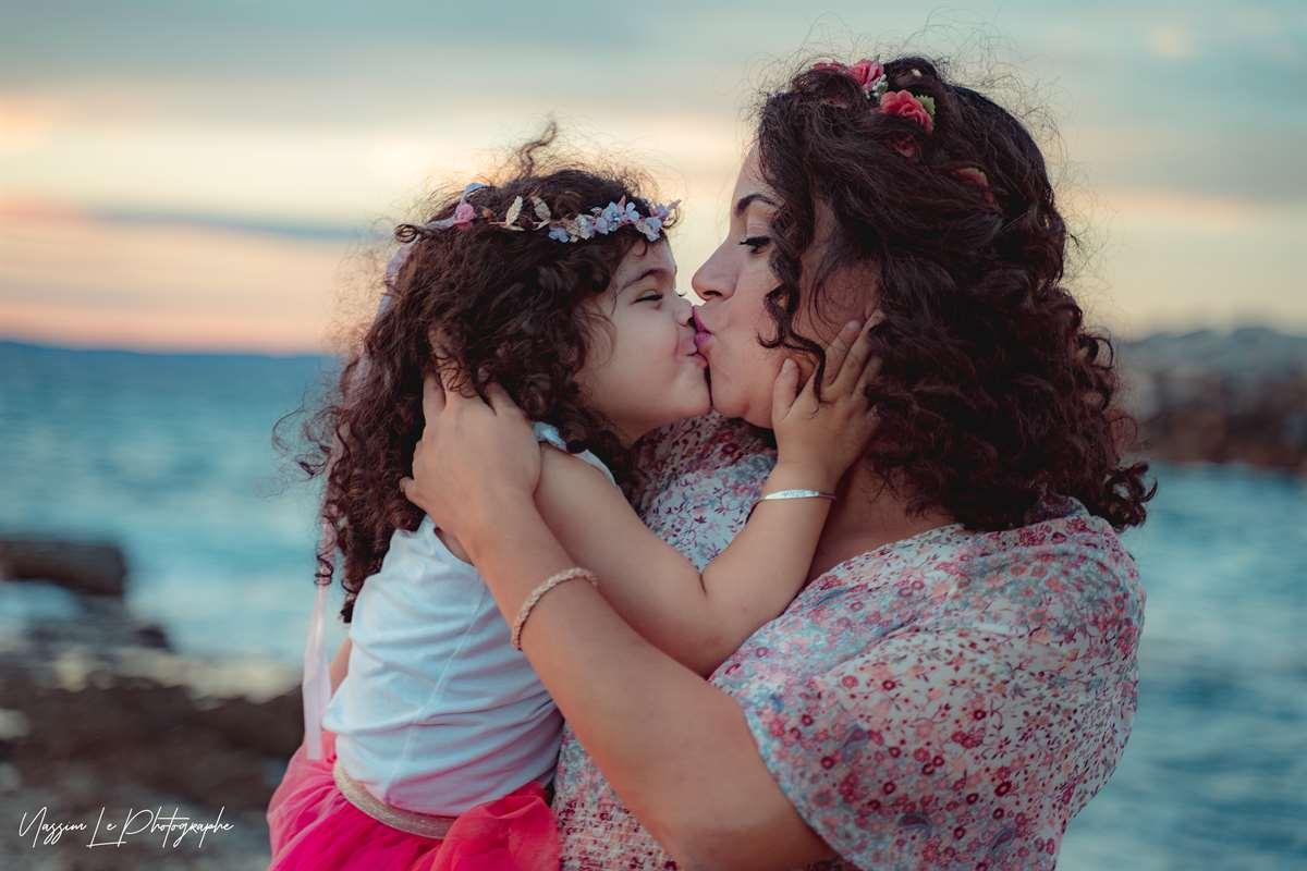Une séance photo de famille/grossesse sur la plage 27