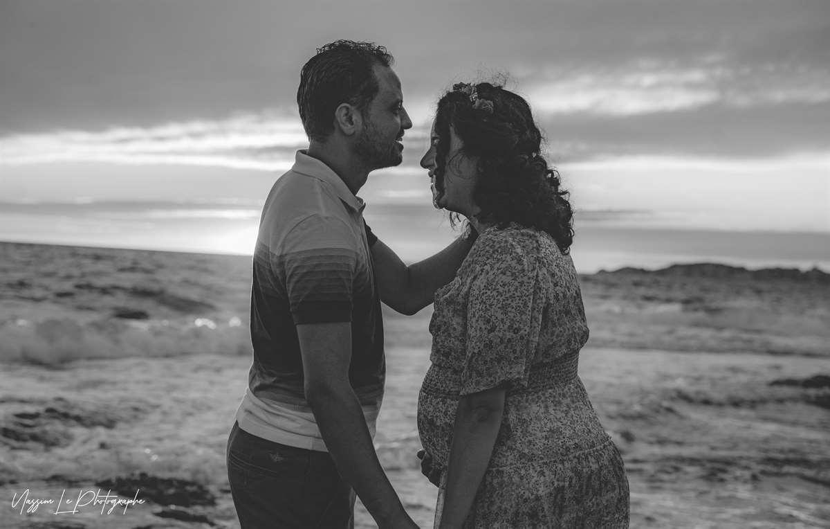 Une séance photo de famille/grossesse sur la plage 30